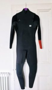 Brand_New_vs_Second_Hand_Second_Hand_Wetsuit_thewaveshack.com-min