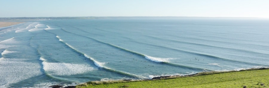 Saunton-Best-Places-To-Surf-In-North-Devon-thewaveshack.com-min